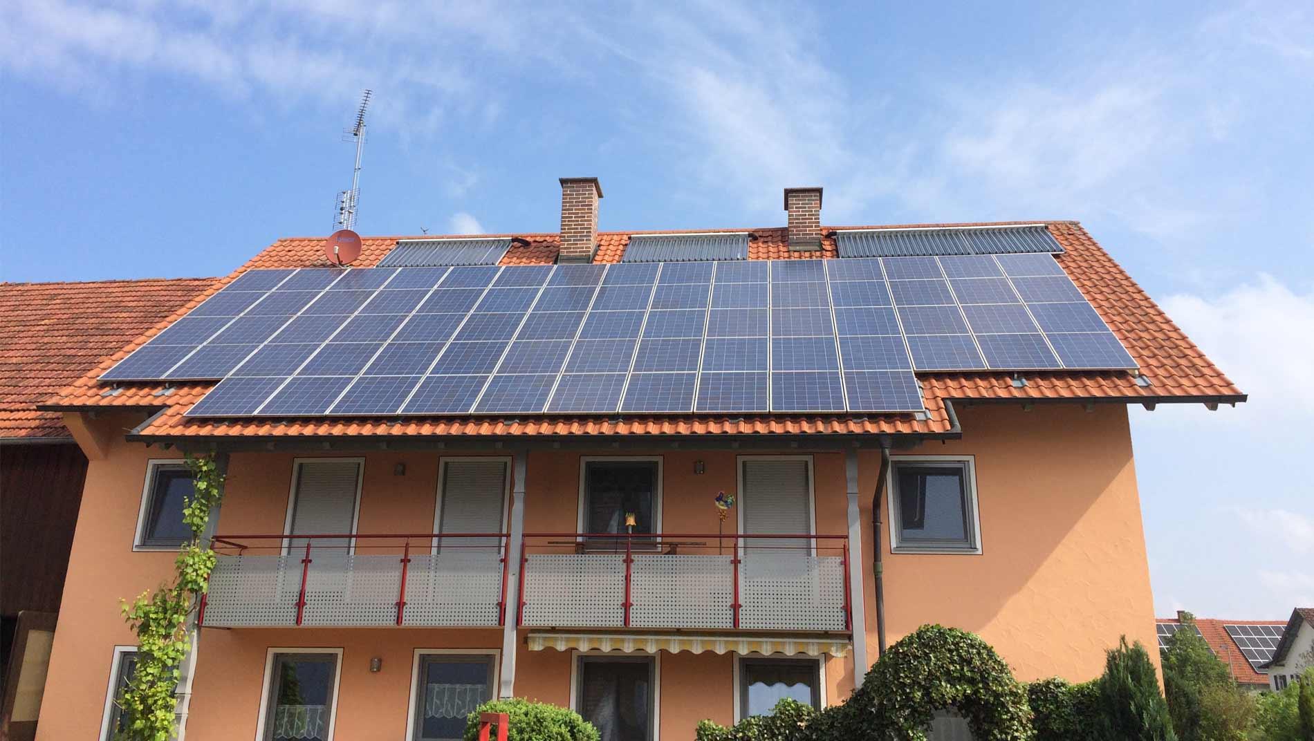 Solar-Haus: Wärme und Solarstrom