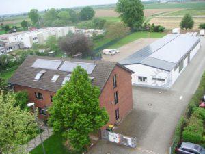 Lagerhalle Tönisvorst 64,8 kWp Yingli 360 Stück 180 W Module